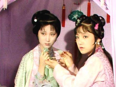 黛玉和紫鹃,红楼梦里的真闺蜜,难得的姐妹情