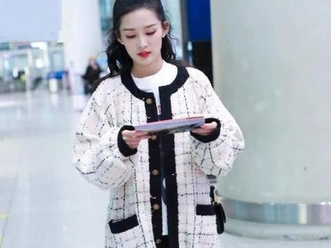 """有一种美叫做李沁的私服,俗气的""""奶奶衫""""穿出少女感,实在好看"""