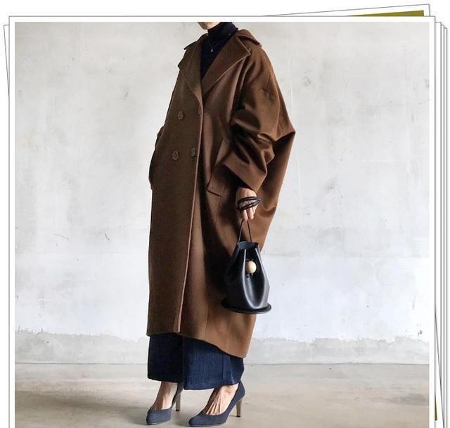棕色外套的温暖搭配指南!分享不同款式穿搭示例,升级你的时尚感