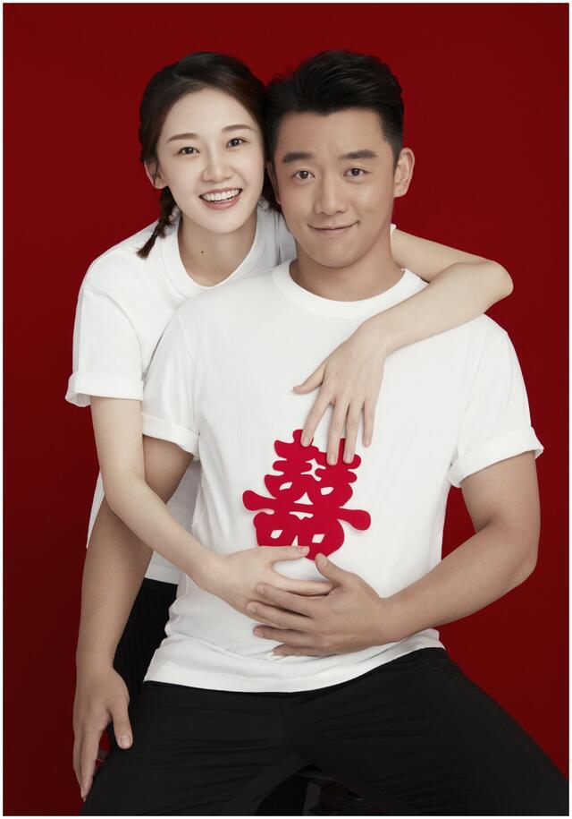 郑恺苗苗庆祝女儿百天,画面太温馨,网友:对比某女星过于讽刺