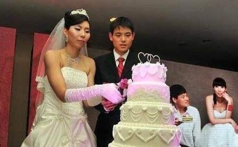 女篮名将陈楠嫁2米高大老公,拼下2个孩子幸福无比人生赢家