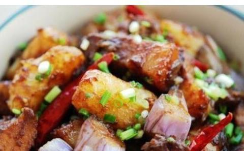 辣子鸡,双茄烩,熘肥肠,土匪切块的做法