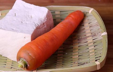 1块豆腐1根胡萝卜,简单一做,好吃又解馋,比大鱼大肉还好吃