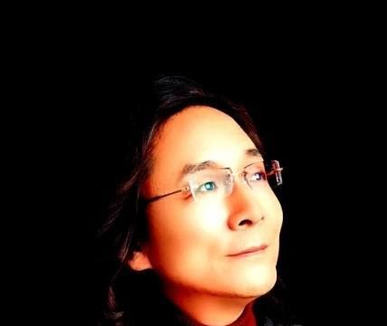 青年歌唱家查森娜新创歌曲《再唱红杜鹃》今日发布
