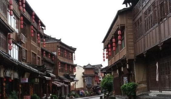 """贵州""""具民族特色""""的古镇,古建筑众多风格迥异,民族风情很浓厚"""