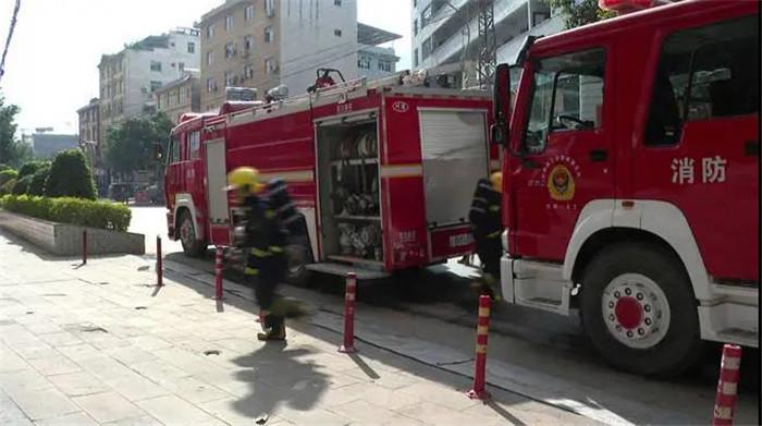 华坪消防救援大队开展高层建筑消防安全实战演练