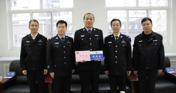 陕西省公安厅、西安市公安局维权办一行慰问碑林公安太乙路派出所负伤民警