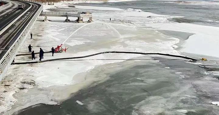 吉林支队开展极寒天气下大型商业综合体消防供水实战化训练