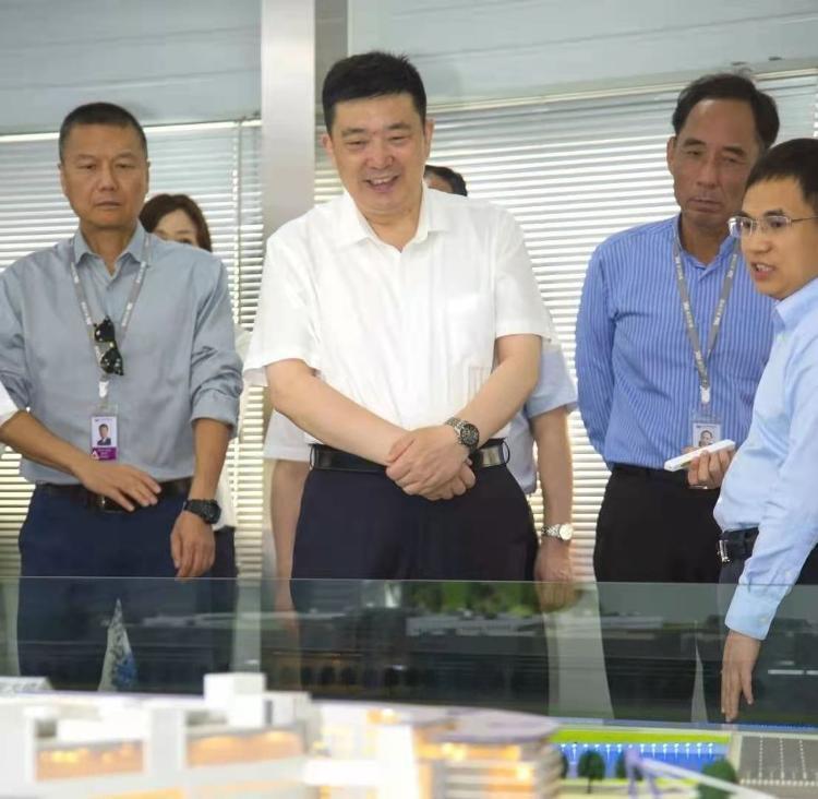 武汉市长周先旺赴湖北省政协就职