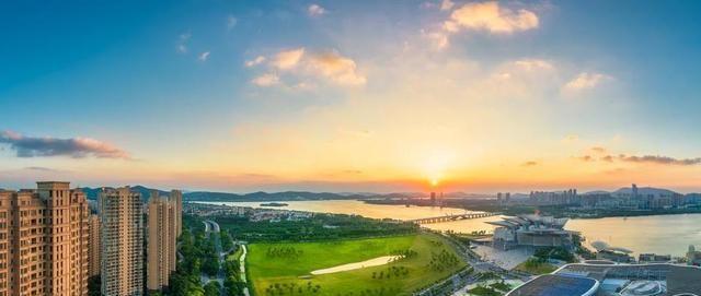 """江苏""""最热闹""""的城市,夜生活非常丰富,不是南京也不是苏州"""