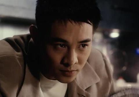 周润发老了,李连杰老了,周星驰老了,只有他63岁还像30岁!