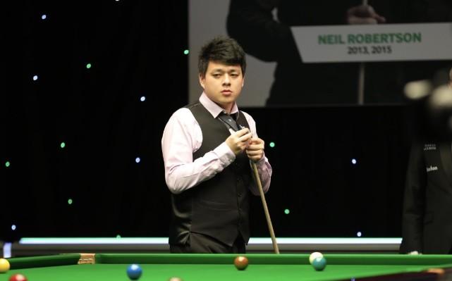 中国名将2-0赢第3胜,鲁宁剑指小组第一