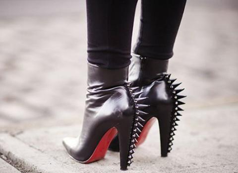 女人显气质的好武器,非高跟鞋莫属,但是很多人被疼痛困扰