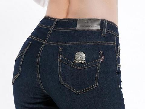 心理测试:4条牛仔裤你选一条,看你离成功还差多少?