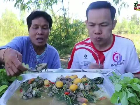 宏风小舅子 炖鸡杂,泰国的鸡养的太好了,好多小鸡蛋啊