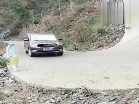 行车记录仪:是不是老司机一眼就能看出来,这绝对是新手!