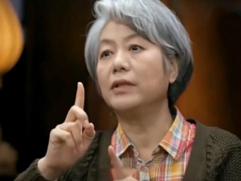 """李玫瑾作为""""育儿专家"""",自己女儿却是个普通人?网友:没毛病"""