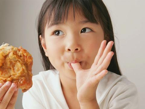 吃一次整整7天不消化,但是很多父母竟当宝贝喂孩子,医生:愚昧
