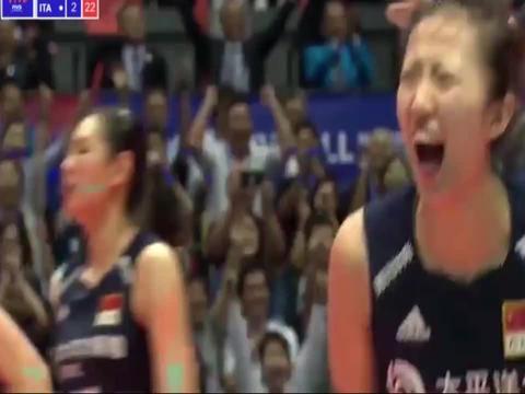 中国女排靠团队力量拼来的胜利,3-2战胜意大利女排