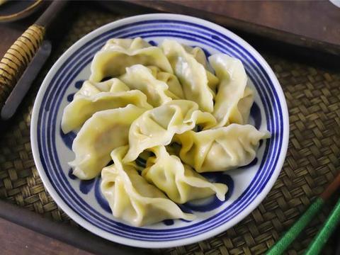 吃饺子,我家就爱这馅儿,比韭菜鲜比萝卜香,一口一个真过瘾