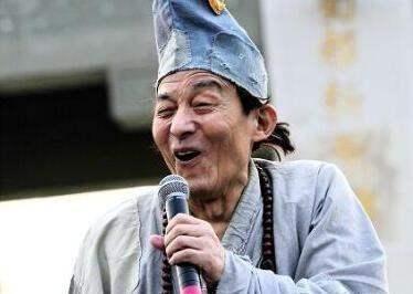 活佛济公游本昌,曾两度出家,为拍戏80岁卖房赔光家产