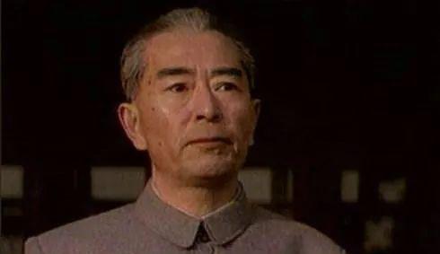 """他是""""周总理""""的特型演员,邓颖超看见落泪,片酬却让人""""意外"""""""