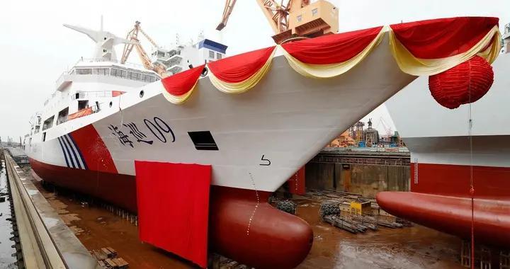 中方造万吨大驱和海巡船,就为奉命撞击美舰?美国专家错得离谱