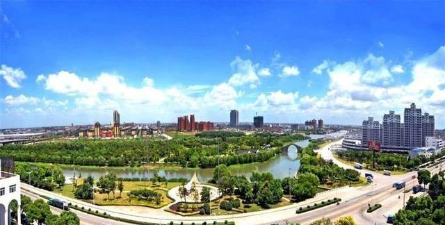 """盐城市区常住人口_江苏""""发展逆天""""三线城市,面积约等于8个深圳,常住人口"""