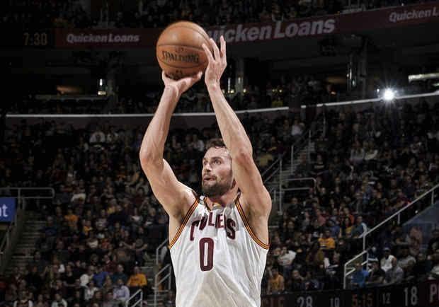 NBA现役球员5次疯狂单节表演:乐福独占两次霍华德19+12