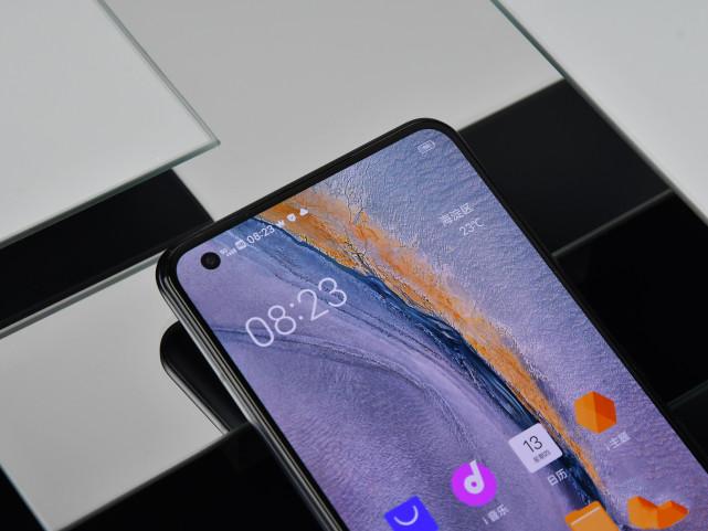 几款配备骁龙865以及12+256G内存的手机