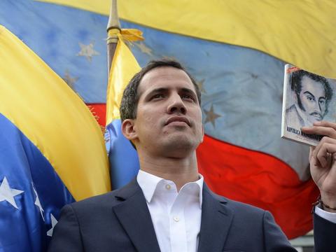 委内瑞拉大局已定,马前卒终被一夜抛弃,马杜罗痛批特朗普失败了