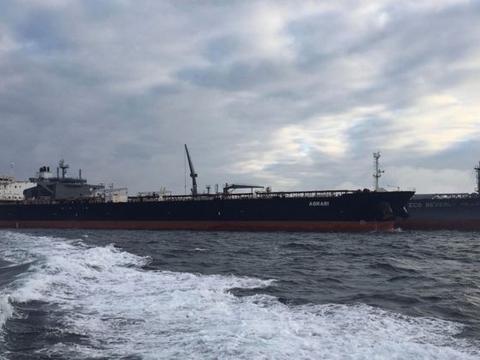 红海水域传来了一声巨响,油轮遭遇攻击,矛头再次直指伊朗和胡塞