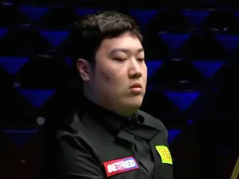 台球:新科大师赛冠军颜丙涛,单杆133让小特只能干坐喝水