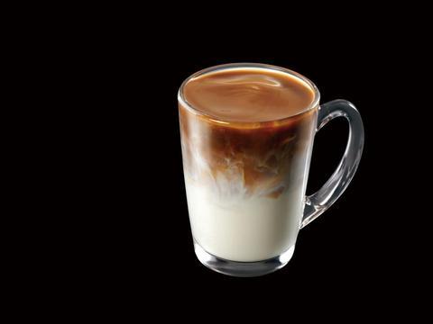瑞幸冠军燕麦拿铁登陆成都杭州:IIAC金奖咖啡豆+香滑醇厚燕麦奶