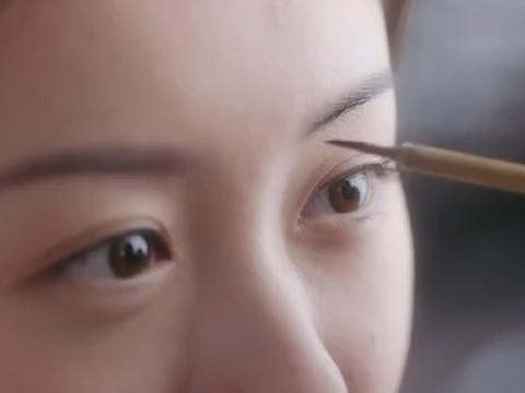 琉璃:司凤给璇玑画眉,像当初俩人一见倾心一样,这段俩人好虐心