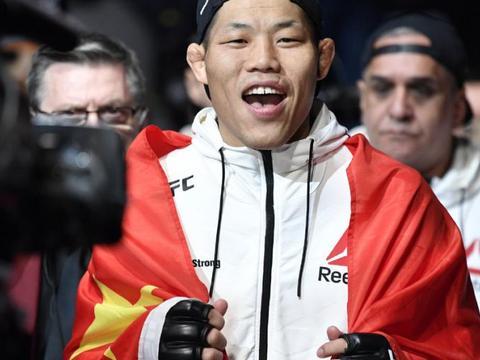 中国UFC第一人李景亮再回击假武僧:我没有一滴水分,你敢说吗