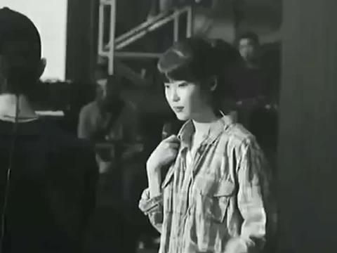 """韩国巨星李知恩与权志龙堪称""""王炸组合"""",你喜欢么?"""