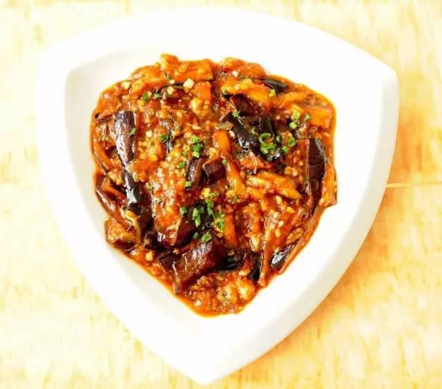 美食精选:肉末茄子、肉末干煸豆角、凉拌荞麦面、香辣水煮鱼片