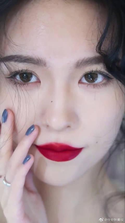 邂逅冬日红唇浪漫的法式慵懒妆妆容教学~