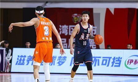 12人轮换,6人得分上双,15分大胜,十冠王广东有望三连冠