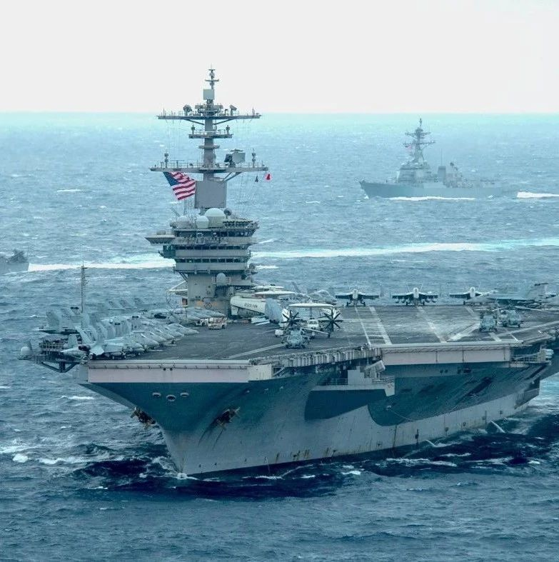 """解放军出动大规模军机""""针对美国航母""""?"""