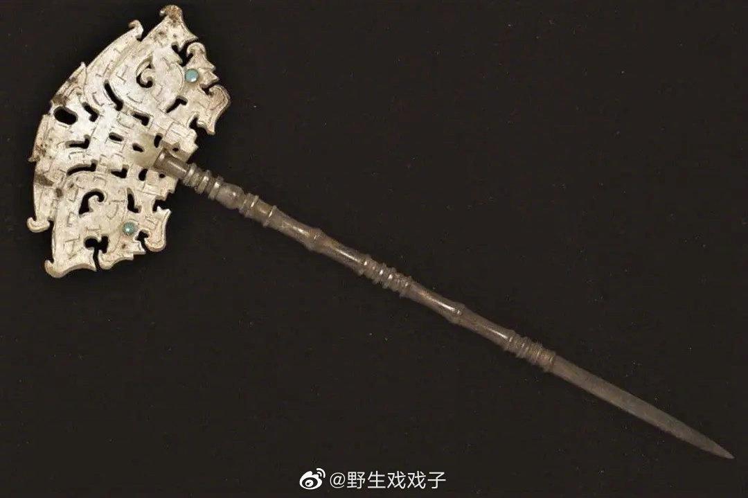 龙山文化镶绿松石玉簪,距今约4000年