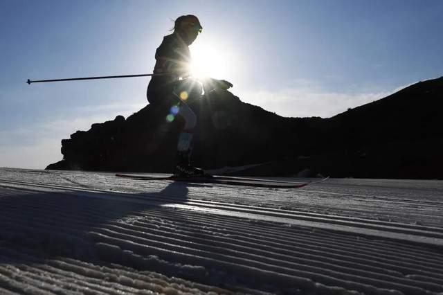 在黄河石林定格冰雪盛会、健儿风采!