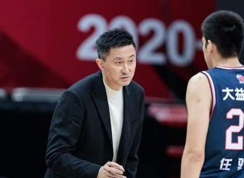 杜锋都骂不醒!广东男篮三分球创赛季最差,比赛态度再遭质疑