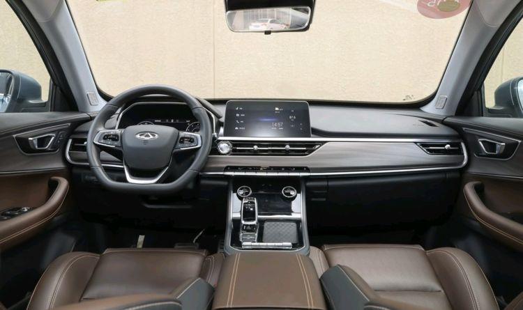 又一豪华中型SUV,一口气降至7万多,强动力,内饰像路虎