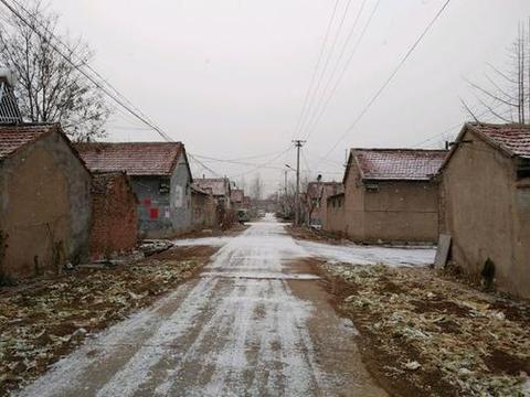 """正值腊月,农村俗语""""腊月南风正月雪,来年牛马累断脚"""",为啥?"""