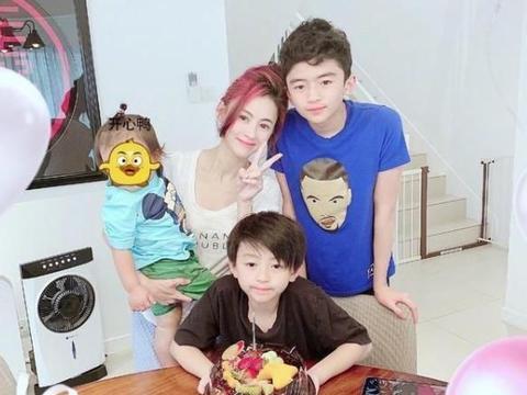 张柏芝晒大儿子近照:被误认为新男友,13岁已长成谢霆锋的模样