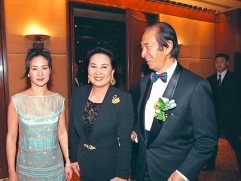 梁安琪苦争家产,蓝琼缨已成正室的500亿财产,不光靠女儿何超琼