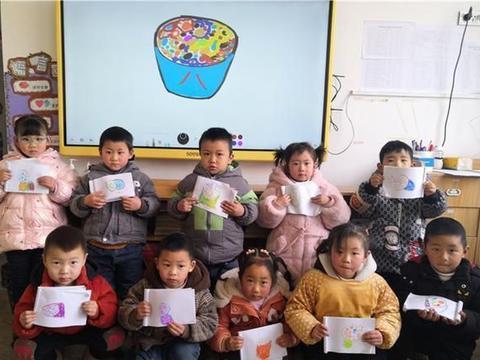 镇巴县黎坝镇中心幼儿园开展腊八节主题教育活动