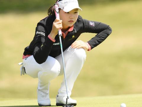 21岁高尔夫美女,出生在日本,却为中国出战,身材傲人女神范十足
